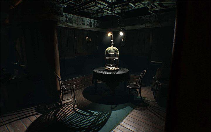 Решение головоломки с замком окажется вскоре после достижения тускло освещенной комнаты с птичьей клеткой - это показано на прилагаемом рисунке - Загадка с замком   Решение загадки в Layers of Fear 2 - Layers of Fear 2 - Руководство по игре