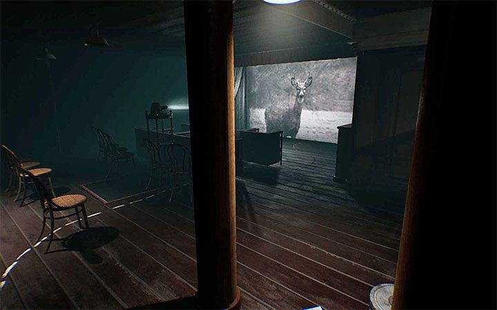 Вы попадете в комнату с проектором вскоре после разгадки загадки безопасного открытия - Головоломка с проектором   Решение загадки в Layers of Fear 2 - Layers of Fear 2 - Руководство по игре