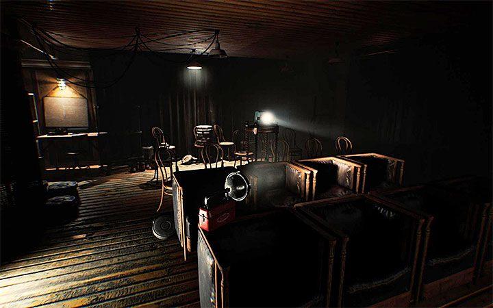 Вы решите эту загадку в заключительной части второго акта игры, особенно после завершения новой более длинной сцены побега от монстра - Третья загадка с проектором   Решение загадки в Layers of Fear 2 - Layers of Fear 2 - Руководство по игре