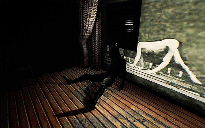 Подойдите к прямоугольнику, благодаря которому будет реализован вход в вентиляционную шахту - Третья загадка с проектором   Решение загадки в Layers of Fear 2 - Layers of Fear 2 - Руководство по игре