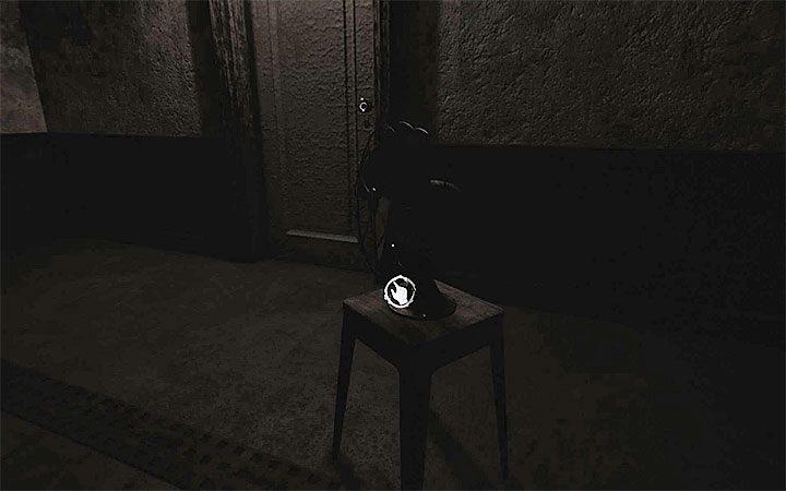 В первой части головоломки начнем с выключения вентилятора, спрятанного в темноте (картинка выше) - Загадка с горшком и тенями   Решение загадки в Layers of Fear 2 - Layers of Fear 2 - Руководство по игре