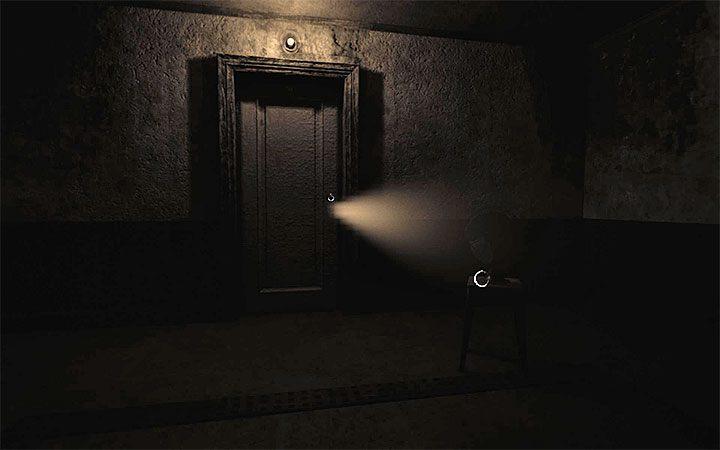 Если вы правильно выполнили оба действия, свет начнет проникать через новую замочную скважину - Загадка с горшком и тенями   Решение загадки в Layers of Fear 2 - Layers of Fear 2 - Руководство по игре