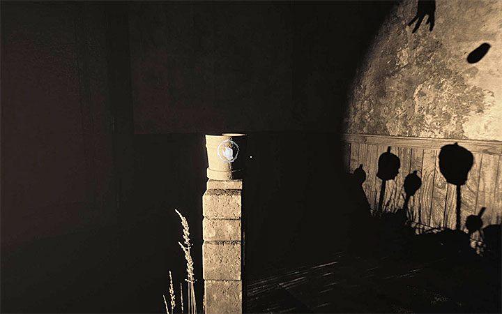 После выполнения обоих этих действий, взаимодействуйте с горшком - Загадка с горшком и тенями Решение загадки в Layers of Fear 2 - Layers of Fear 2 - Руководство по игре