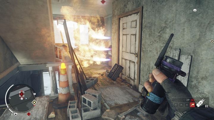 After reaching the first floor, you need to watch out for traps in the house - Holloway - Red zone | Key Points - Key Points - Homefront: The Revolution Game Guide & Walkthrough