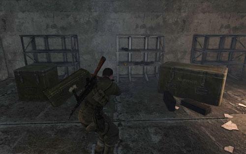 Внутри одной из комнат на третьем этаже [# 7] - поверните налево и продолжайте идти по коридору - Миссия 6    Бутылки с вином и золотые слитки - Бутылки с вином и золотые слитки - Руководство по игре и прохождение игры Sniper Elite V2