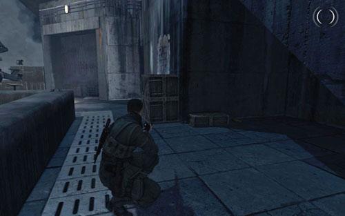 Добравшись до крыши, идите налево - перепрыгните через ящики и двигайтесь дальше - Миссия 6    Бутылки с вином и золотые слитки - Бутылки с вином и золотые слитки - Руководство по игре и прохождение игры Sniper Elite V2
