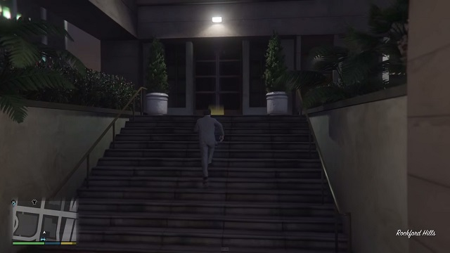 The entrance is enlightened with a yellow marker. - Letter - Murder Mystery - Grand Theft Auto V Game Guide