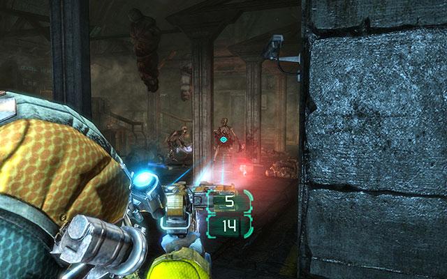 Идите к лифту и пройдите через несколько комнат, пока не доберетесь до большой комнаты (Поднятый ад), полной скелетов-некроморфов - Защитите оружейные боеприпасы |  Побочные миссии: Оружейная - Побочные миссии: Оружейная - Dead Space 3 Руководство по игре