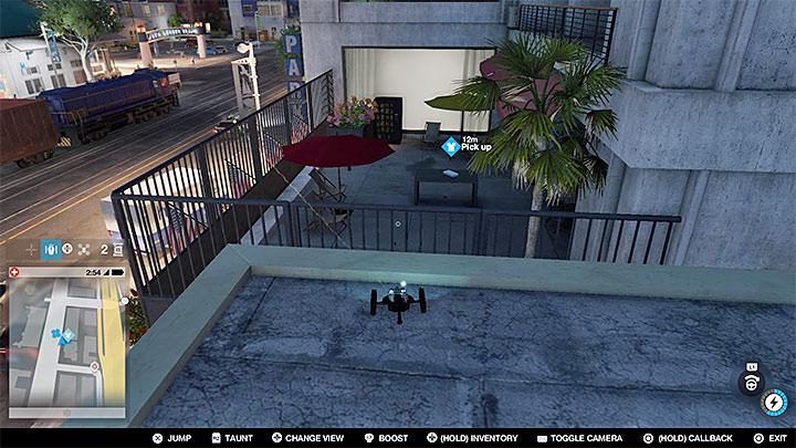 Проехав по крышам, вы окажетесь очень близко к балкону с пикапом (как показано на рисунке выше) - Покрасочные работы, одежда и уникальные транспортные средства - Коллекционирование - Руководство по игре Watch Dogs 2