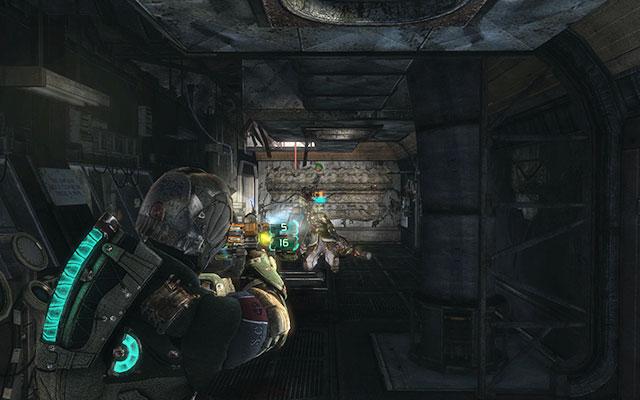 В дальней части коридора вы найдете несколько ящиков и запирающихся шкафчиков, а также киоск для костюма. Уничтожьте 163-ю казарму жнецов |  Побочные миссии: Казармы Жнецов - Побочные миссии: Казармы Жнецов - Dead Space 3 Руководство по игре