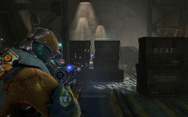 Поднимитесь на лифте и идите к двери справа - у вас есть ключ доступа, чтобы открыть ее - Соберите тайник с боеприпасами |  Побочные миссии: Оружейная - Побочные миссии: Оружейная - Dead Space 3 Руководство по игре