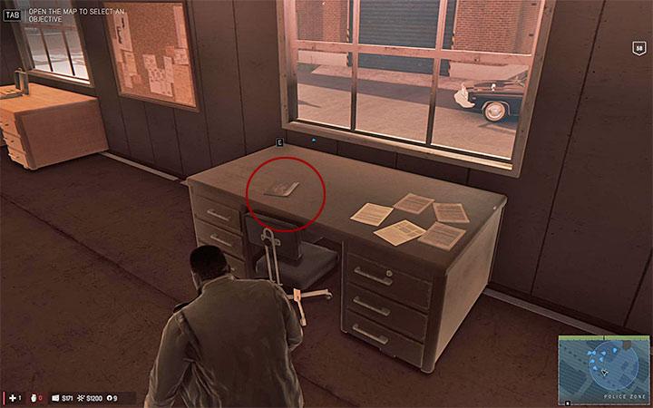 Прежде чем войти в здание с секретом, убедитесь, что ни один офицер не смотрит в направлении Линкольна - Playboy magazine |  Секреты - Секреты - Руководство по игре Mafia III