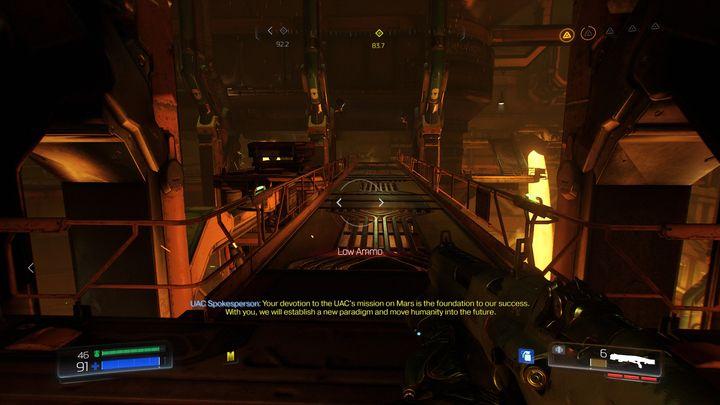 Стоя перед дверью, для которой требуется синий ключ, поверните направо и идите вперед, пока не достигнете длинного моста над лавой - Foundry |  Секреты - Секреты - Руководство по игре в Doom и прохождение