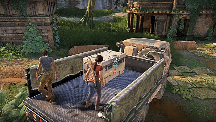 The lockbox is on top of small ruins in the north part of the map - 4 - Photos, optional conversations and lockboxes in Wester Ghats | Secrets - Secrets - Uncharted: The Lost Legacy Game Guide