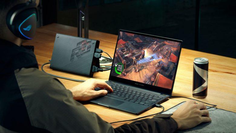 ASUS анонсировала ноутбук с внешней видеокартой и другие игровые устройства