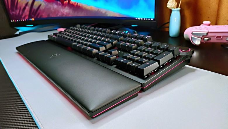Обзор игровой клавиатуры Razer Huntsman V2 Analog – Окно в будущее